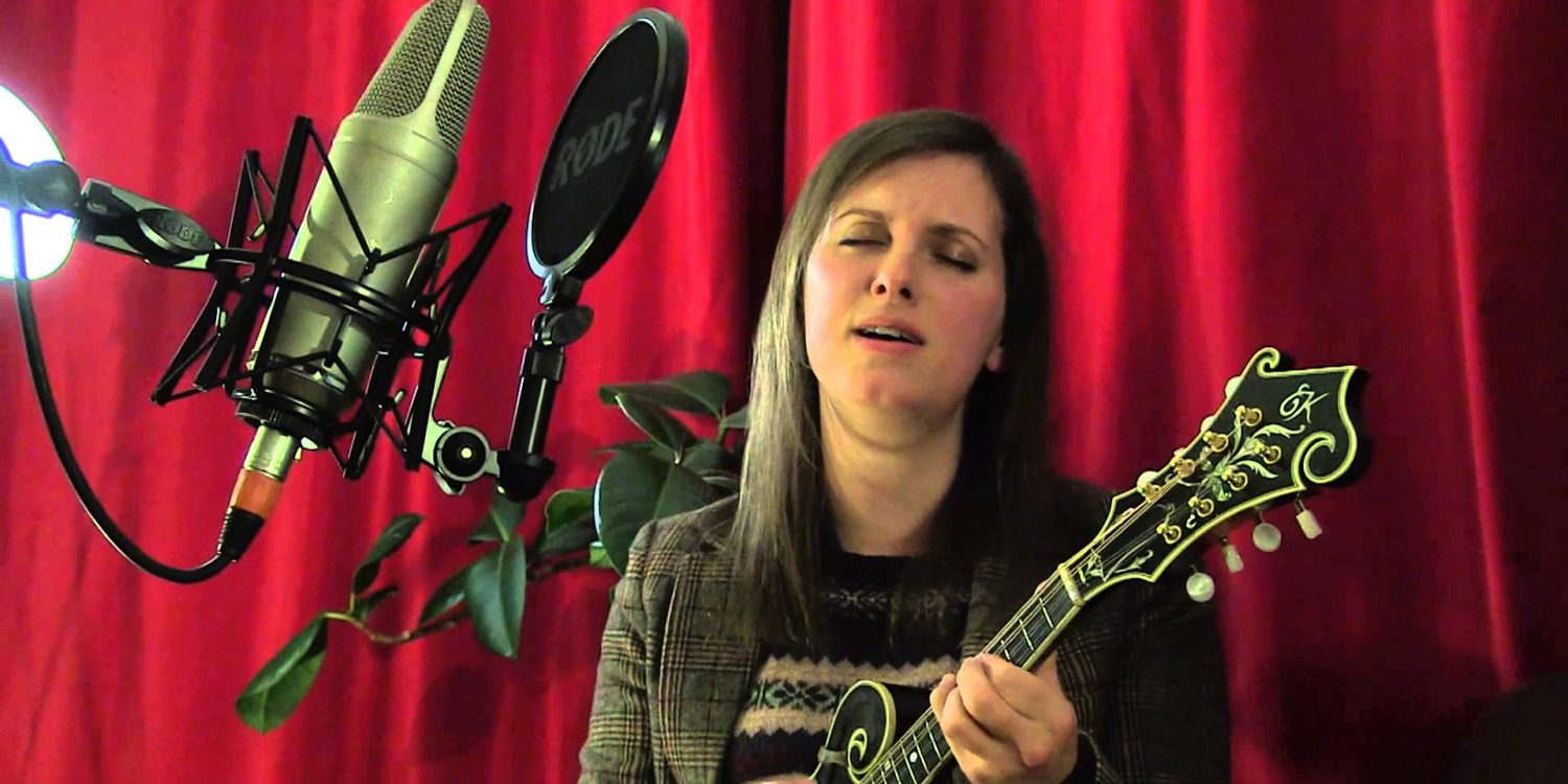 Jenn Butterworth & Laura-Beth Salter perform The Great Divide for TRADtv