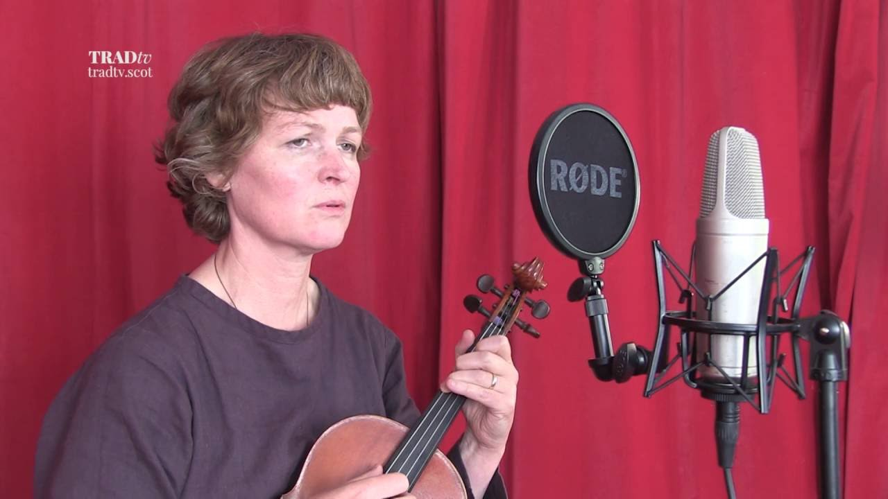 Mairi Campbell Performs Darling Don't Be Silent
