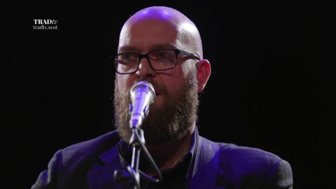 Findlay Naiper performs 52 DES live at The Tolbooth, Stirling (The Visit 2017)