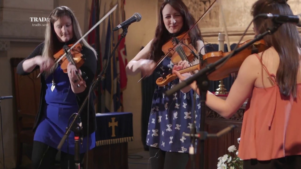 Fara perform Various Reels live in Paisley Abbey (The Visit 2017)